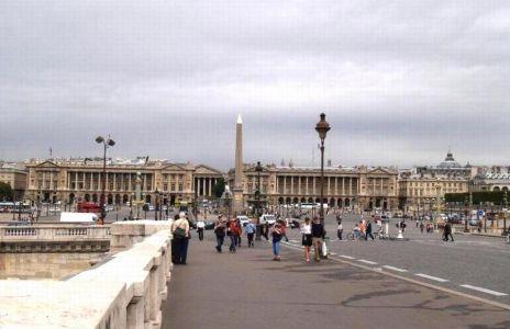Le Pont de la Concorde 1791 connects Quai des Tuileries, Place de la Concorde (on the right bank) and Quai d'Orsay (on the left bank). In the past it WAS known as Pont Louis XVI and Pont de la Revolution.