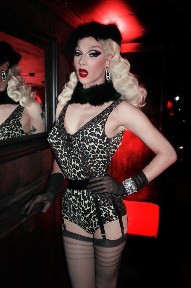 Meet Drag Queens Online
