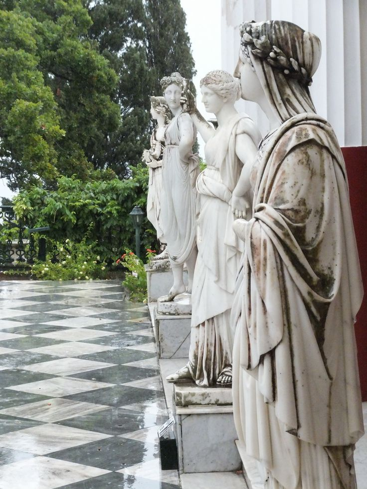 Korfu: Terrasse von Sissis Erholungsdomizil Acheillion