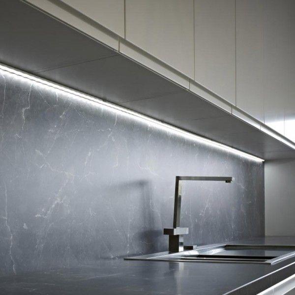 Novalux Barra LED alluminio per cucina mt. 2 per l'installazione a parete, soffitto,