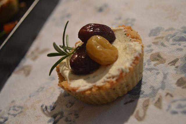 Babbi e le Palle di Pelo: Tartellette con formaggio di capra, uva arrostita ...