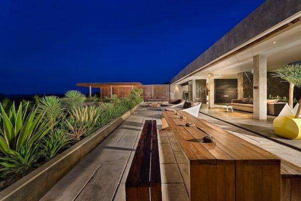 Villa Mana Rooftop Dining