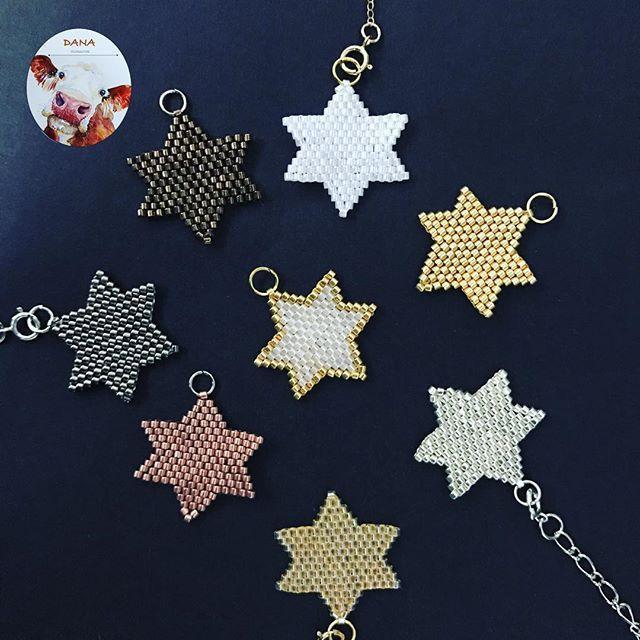 Yıldızlı seneleeer #danaaccessories #miyuki #miyukiaddict #miyukibeads #miyukibracelet #miyukibileklik #miyukicharm #charm #bileklik #yıldız #star #shinebrightlikeastar #beyourownstar #takisizgezmeyenlerklubu #gününkombini #yeniyıl #handmade #handmadejewellery #2017 #newyear #happynewyear #stars #gold #silver #altın #gümüş
