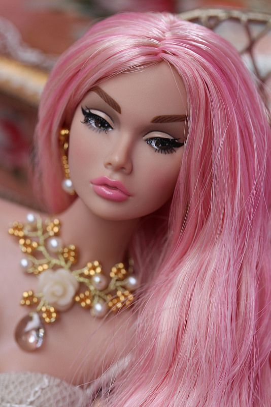 Love the pink hair reroot or dye...whichever...I like it ....a lot. The Young Sophisticate Poppy Parker
