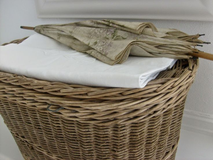 17 best images about baskets bee skeps on pinterest bee skep beehive and wire baskets - Wicker beehive basket ...