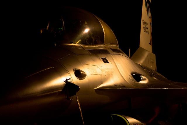 "F-16 ""metal"" by cookyboy67: F 16 Metals, Photo"