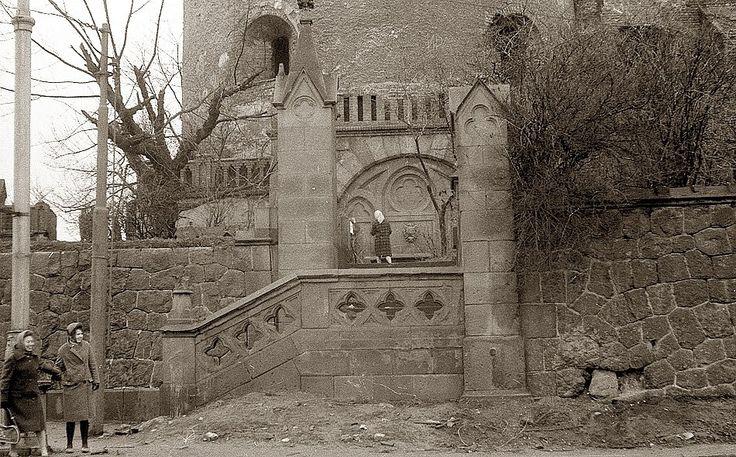 Калининград. Лестница на променад вдоль южной стены Королевского замка. Фото начала 1960х годов. Фото: Дмитрий Елизаров.