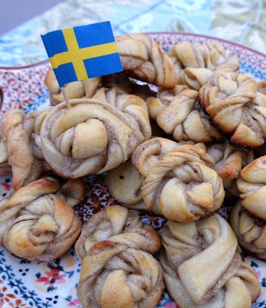 Swedish Cardamom Buns - Kardemummabullar