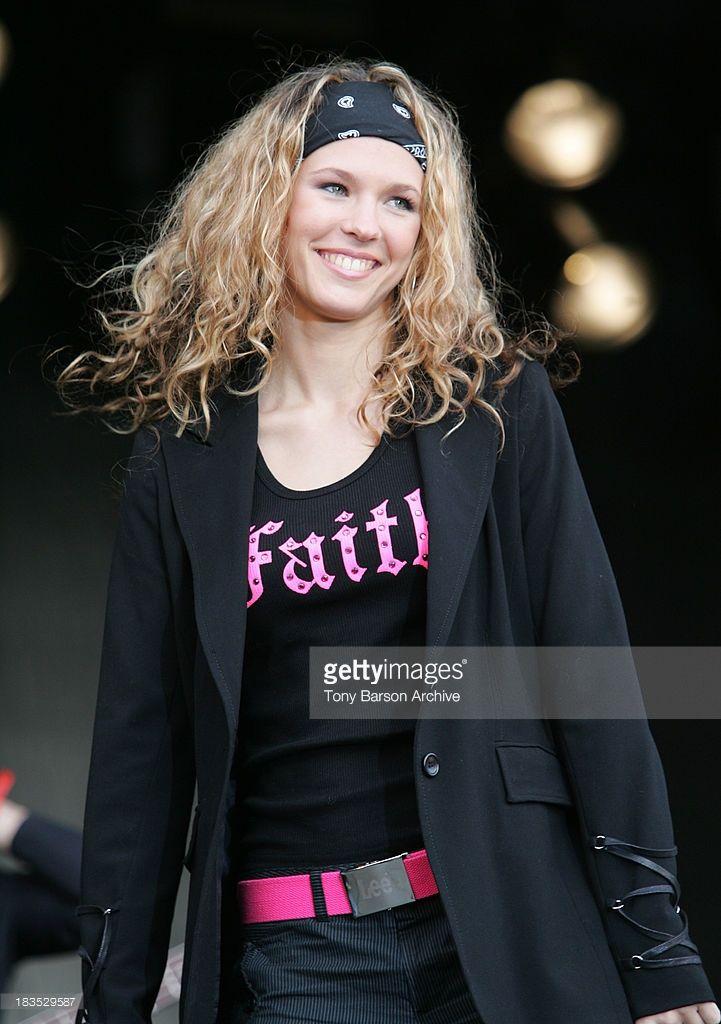 Photo d'actualité : Lorie during Concert pour le Don de Plaquettes to...