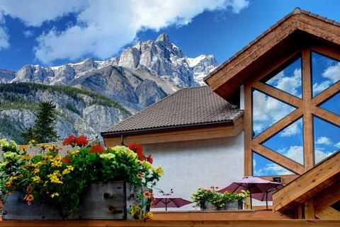 Banff Rocky Mountain Resort in Banff: Hotel Rates & Reviews on Orbitz