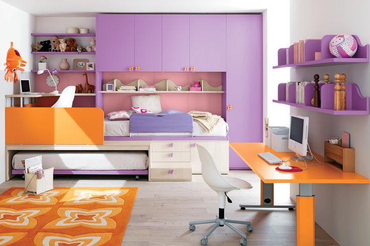 Una soluzione innovativa per incrementare ed ottimizzare lo spazio della tua cameretta: un letto estraibile con ruote ed un angolo studio su pedana. Le invenzioni di una progettazione funzionale e razionale.