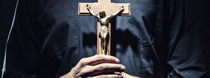 """Cura católico pidió """"levantarse en armas"""" contra la educación sexual http://www.cooperativa.cl/noticias/sociedad/religion/cura-catolico-pidio-levantarse-en-armas-contra-la-educacion-sexual/2017-07-10/172843.html?utm_campaign=crowdfire&utm_content=crowdfire&utm_medium=social&utm_source=pinterest"""