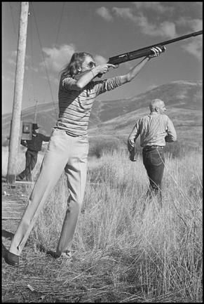Slim Keith hunting in Sun Valley 1941
