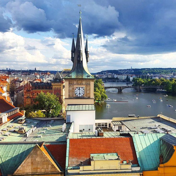 Colors of Prague.   #prague #praha #dreamandfind