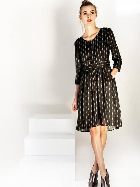 Transeasonal mid length shirt dress / tie waist fastening