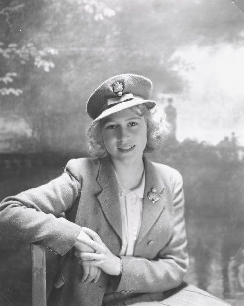 Принцесса Елизавета, октябрь 1942 года, Букингемский дворец, Лондон