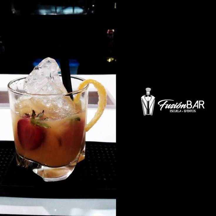 Aprende todo sobre el mundo de la Cocteleria o barismo con la mejor academia de Barquisimeto #fusionbar  #bartender #cocteleria #coctel #Fusion #Barquisimeto #Maracaibo #Valencia #Acarigua #portuguesa #Caracas #yaracauy #sanfelipe  #barman #Bartenderprofesional #Pro #bartenderpro #venezuela #cursos #barismo #barista #cafe #guanare #escueladebartender