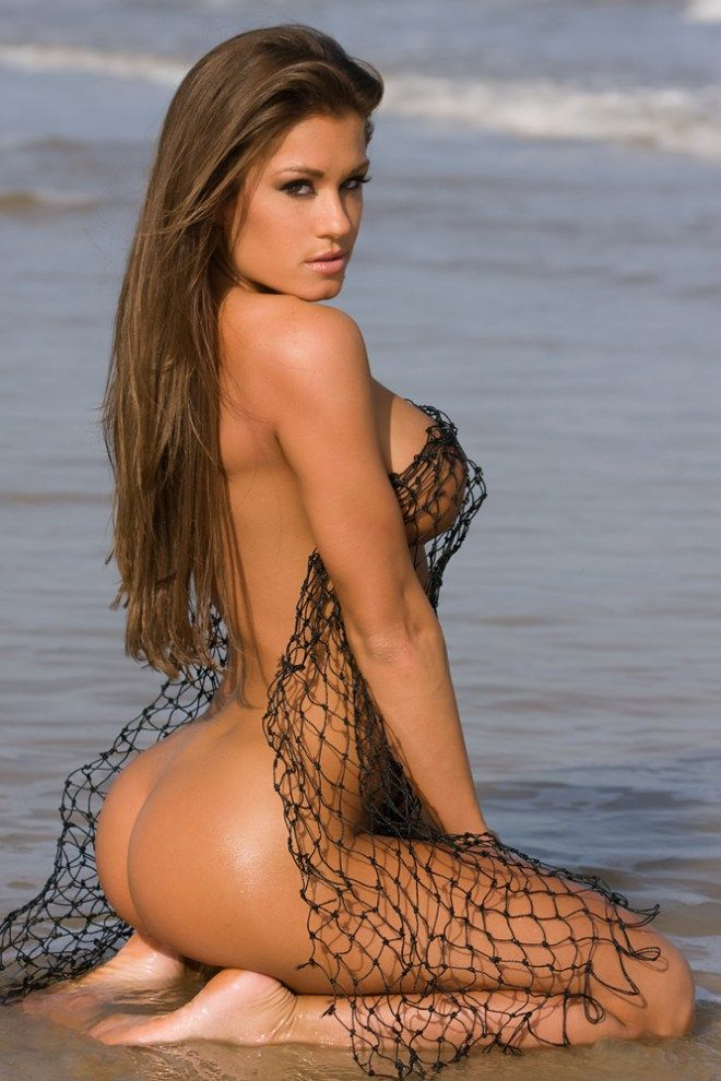 brooke tessmacher loves to show off her amazing