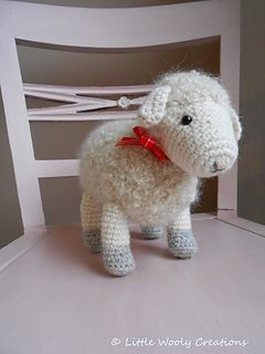 This little wooly lamb is so cute! Crochet your own in DROPS Puddel! Find the…