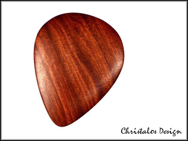 Red Heart Holz Gitarrenplektrum Plektrum (Original Foto)  Gitarren Plektrum aus Red Heart Holz  Maße 35x28 mm, Stärke ca.3,3mm