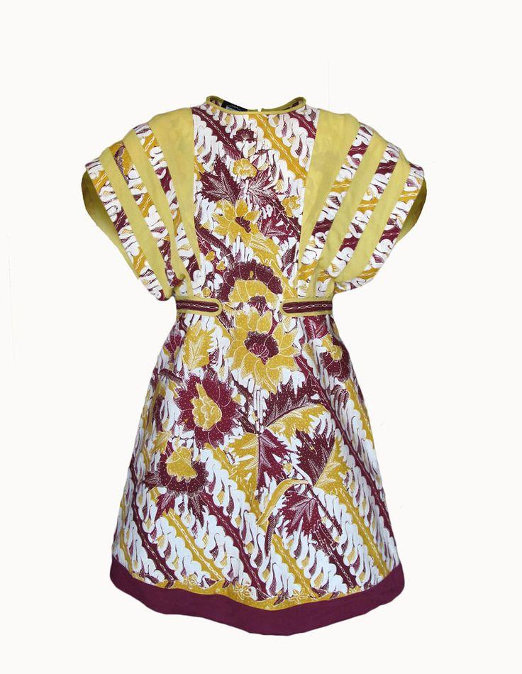 Code: BT02- Kembang Matahari Marun  Fabric: Cirebon hand written batik, cotton, combination with chiffon.  Available size: S Prize: please ask us, contact on our profile.