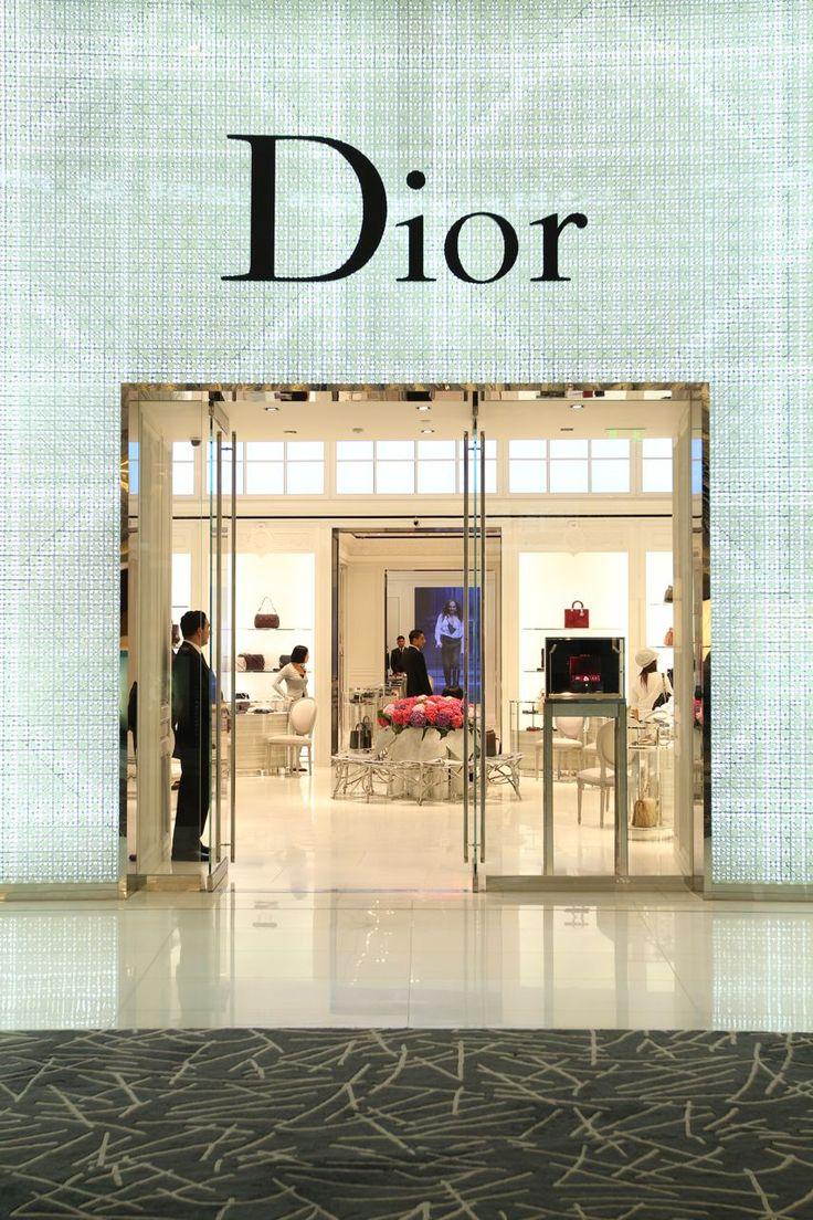 dior showroom - Google Search | Showroom Design 4 | Dior ...