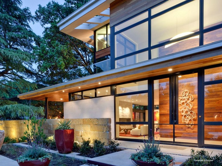 Dallas-based architect Tom Reisenbichler designed the Caruth Boulevard Residence, a LEED Gold contemporary home located in Dallas, Texas, USA.