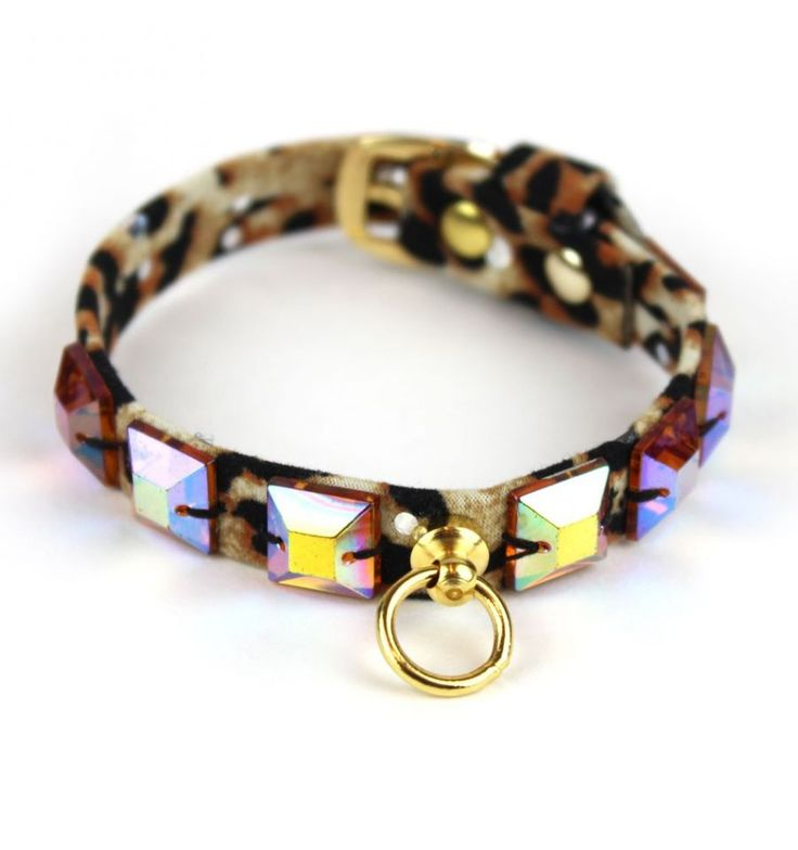 Leopard Bright #dogcollar, with yellow studs | Collare leopardato, con borchie gialle #madeinitaly