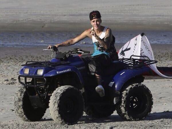 VIDEO: Justin Bieber Quad biking in Panama Beach!
