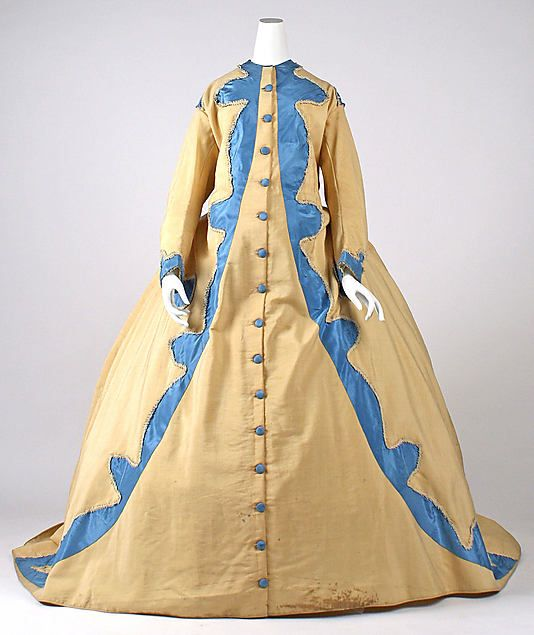 A DRESSING GOWN FOR A HOOPED NIGHTIE????  >>>>>>>>>American dressing gown early 1870s