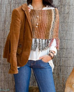 no pattern = could just create a wider infinity scarf sized to fit, then add fringe. Like it!