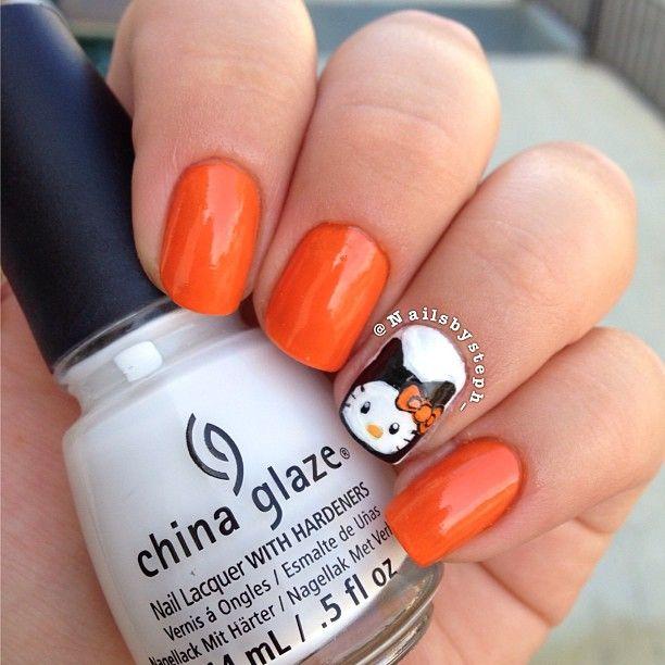 Hello Kitty 'Halloween' Nails