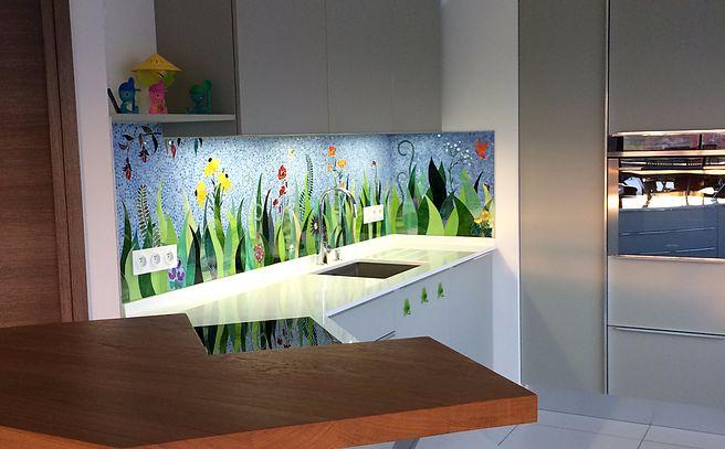 Viviane WOLFF réalise  votre décoration  personalisée en mosaique pour votre de salle de bains, votre cuisine, votre jardin...