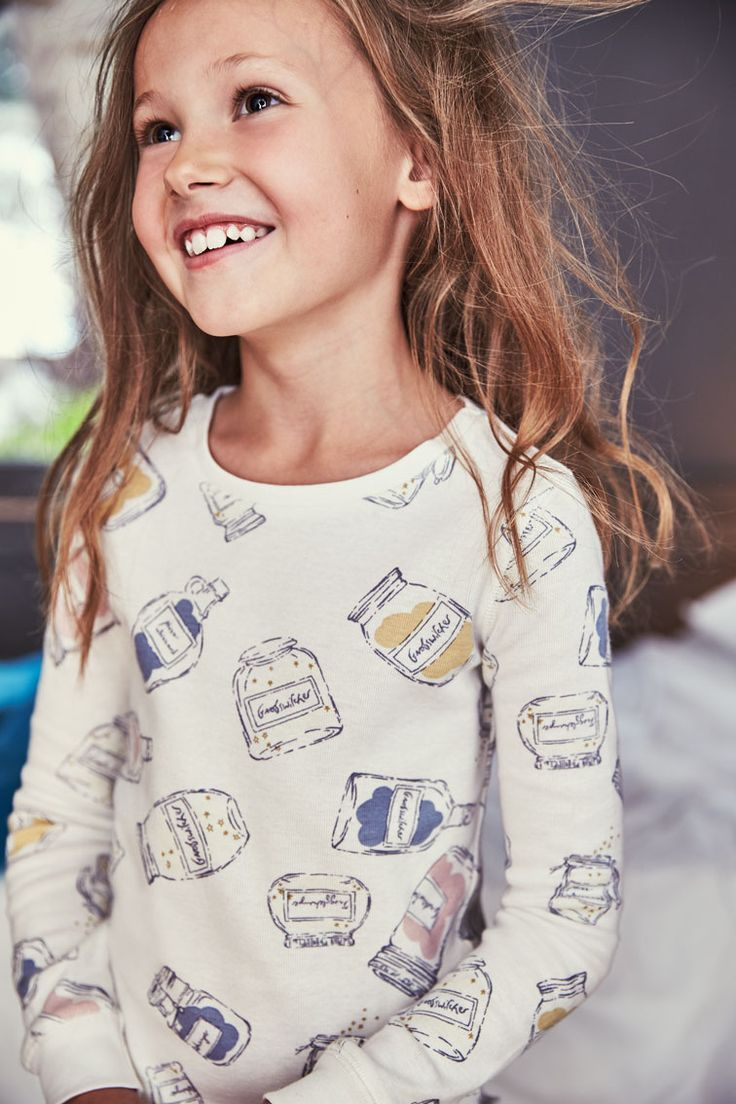 Listen up: you can't enter Dream Country without wearing these snuggle-worthy pajamas. Made of 100% cotton, they're brushed on the inside for unmatched cosiness. They also feature a unique print of the BFG's dream-catching jars, which come alive at night with magical glow-in-the-dark powers.