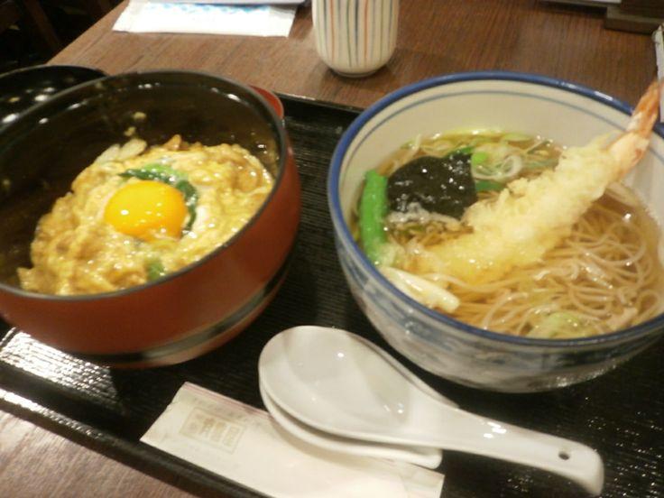 親子丼と天ぷらそば
