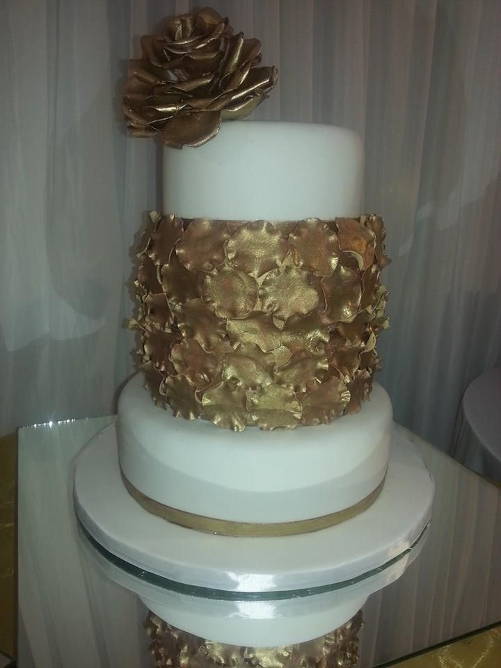 Gold elegance - Bread Ahead Cowey Road