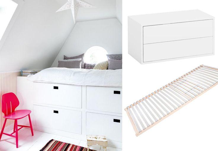 En seng med plads til opbevaring er genial, og så kan du ovenikøbet bygge den selv. Gå efter hvide materialer, så den ikke fremstår tung og klodset.