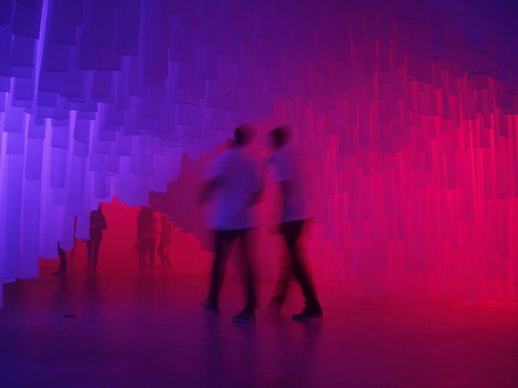 Este proyecto nace como respuesta a un concurso convocado por la Escuela de Arquitectura de Málagapara una intervención efímera con motivo de la...  http://www.plataformaarquitectura.cl/cl/874304/g-plus-k-archstudio-interviene-malaga-con-una-cueva-de-tela-para-celebrar-la-noche-en-blanco?utm_medium=email&utm_source=Plataforma%20Arquitectura