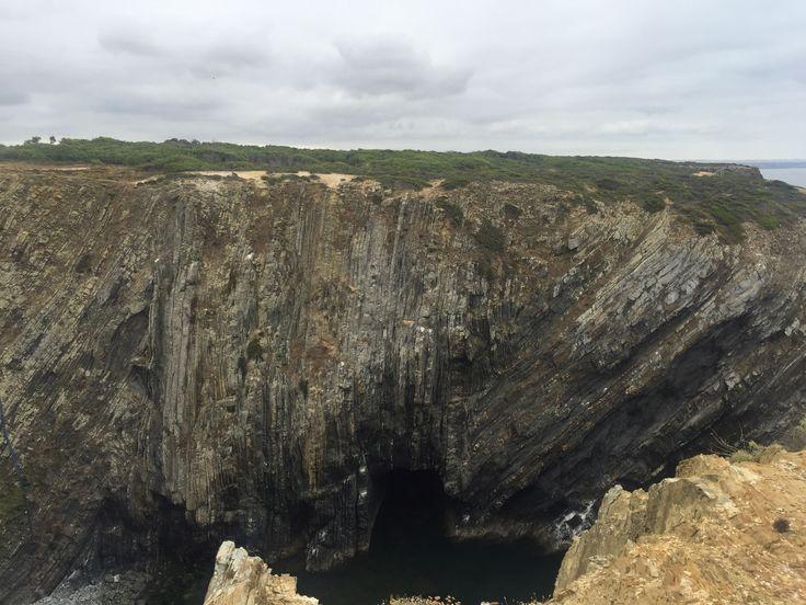 Cave, cabo do Sardão, Portugal
