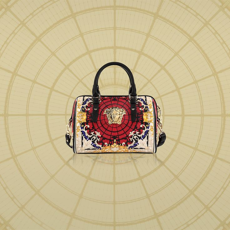 Discover the printed Palazzo bag from the #VersaceOrnamental collection, a tribute to the iconic dome of the Galleria Vittorio Emanuele II. Exclusively available at the Versace boutique in the Galleria Vittorio Emanuele II in Milan and online for Europe on versace.com