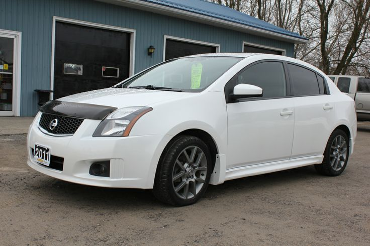 The high-performance SE-R model offers 177 hp from a larger 2.5-liter 4-cylinder engine rated at 177 HP and 172 lb-ft of torque for the SE-R model. The Sentra SE-R is equipped with Nissan's Xtronic CVT™ (Continuously Variable Transmission) with paddle shifters, providing a unique offering in the sport compact market.