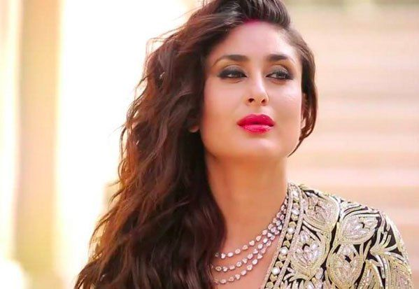 Beautiful Kareena Kapoor is not on any social platform because she believes it needs full devotion.