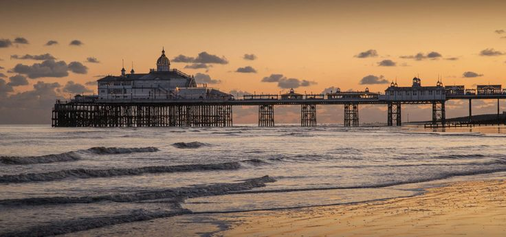 #Eastbourne Sunshine in England? It is certainly not guaranteed, but records show that this adorable southern town is the island's sunniest spot.  It's an ideal place for combining study with holidays.#WeAreESL https://www.esl-languages.com/en/adults/learn/english/eastbourne/england/index.htm