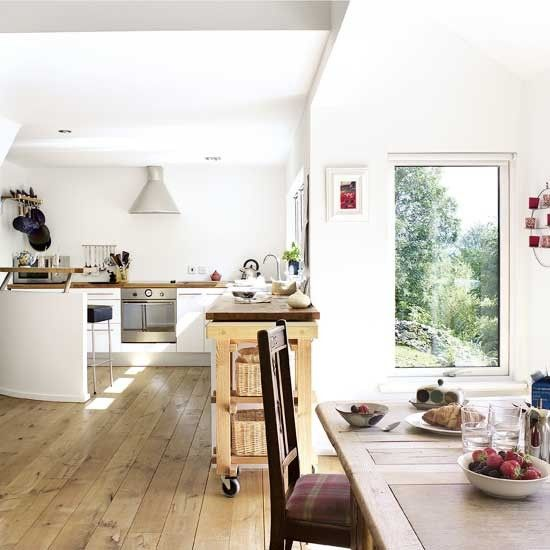 Light kitchen-diner: Kitchens Chairs, Families Kitchens, Wooden Floors, Kitchens Diners, Lights Design, Rooms Ideas, Modern White Kitchens, Lights Kitchens Dinning, Kitchens Extensions