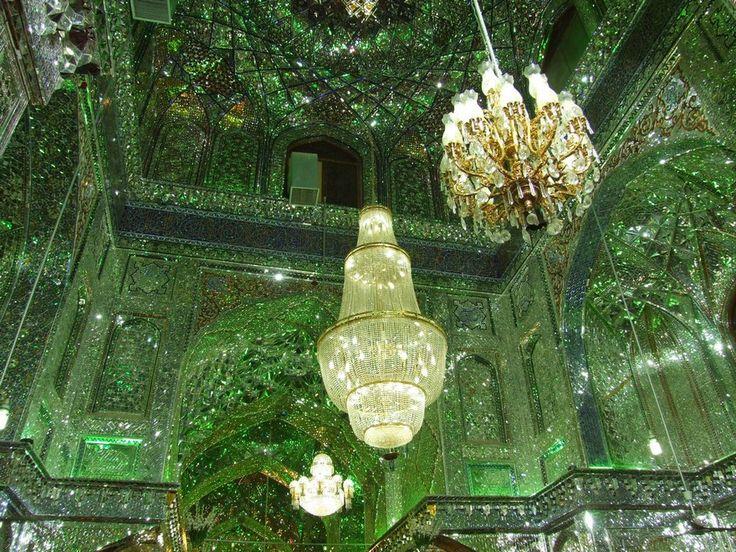 Shah Cheragh: Frumusetea orbitoare a unei moschei