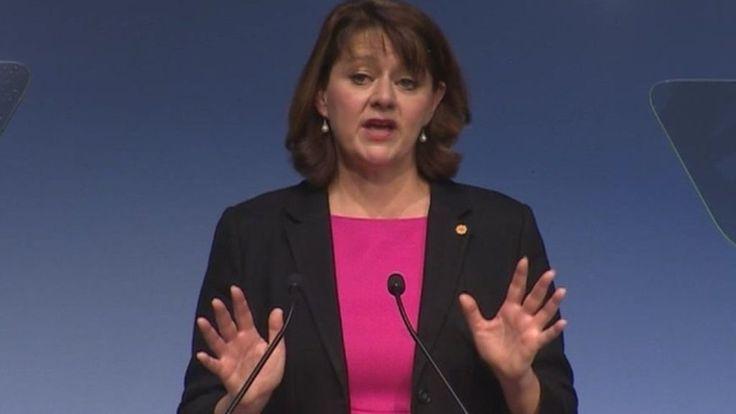 UK must keep EU free movement, says Plaid's Leanne Wood - BBC News