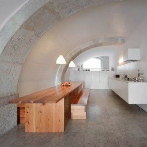 Manuel+Aires+Mateus+reworks+the+interior+of+an+18th-century+Lisbon+townhouse