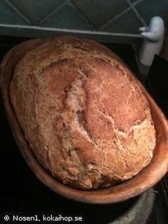 Recept - Valnötsbröd i lergryta