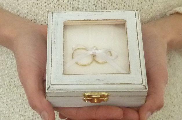 boite a anneau avec gravure blanche