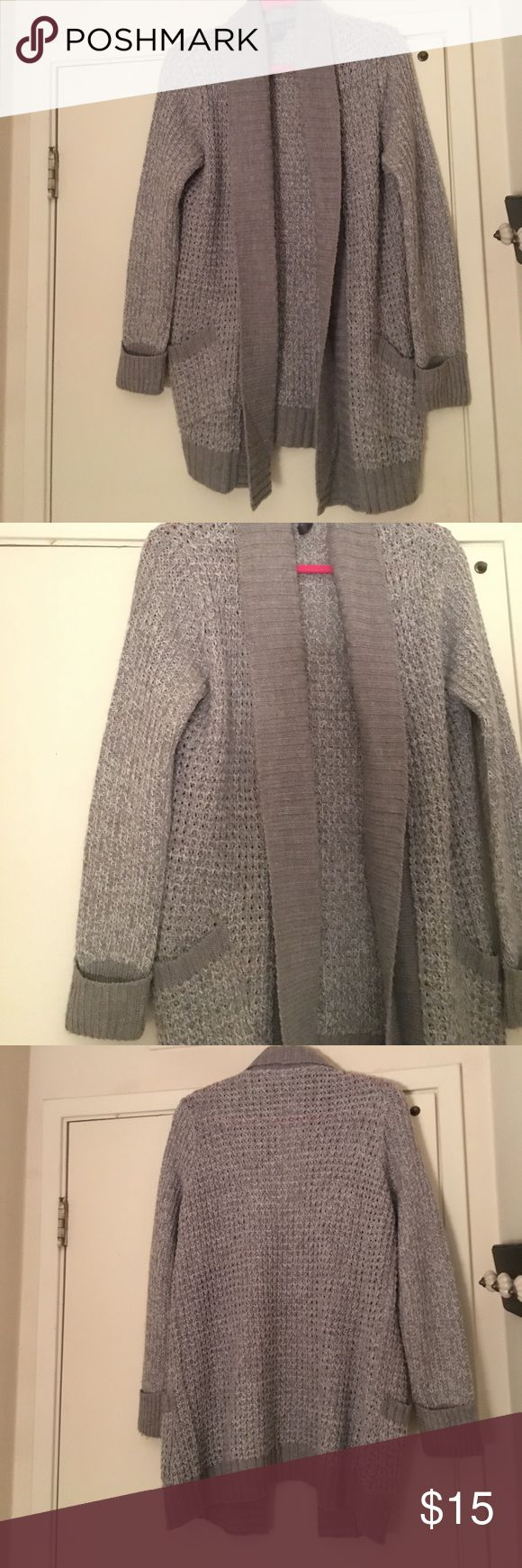 MOVING SALE! Cozy grey cardigan Cozy grey cardigan from francescas collections. Gently worn few times, great condition Francesca's Collections Sweaters Cardigans